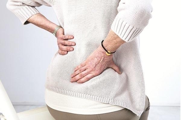 Đau ngang thắt lưng là bệnh gì và cách chữa trị với ghế massage