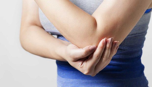 Đau nhức cánh tay trái do đâu và cách điều trị?