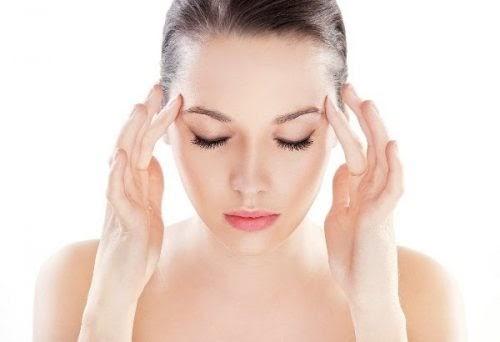 Cách mát xa khi đau đầu tại nhà và ghế massage chuyên viên mát xa 24/7