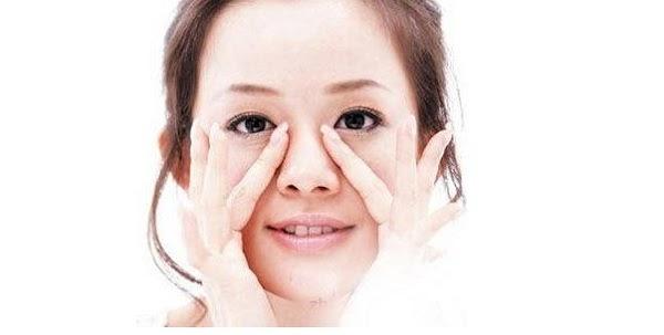 Mát xa nâng mũi giúp sống mũi cao tự nhiên mỗi ngày