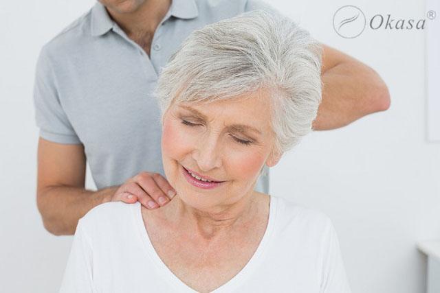 Cách massage bấm huyệt cho người cao tuổi