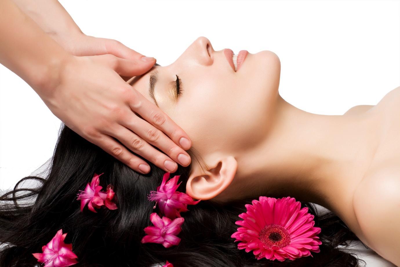 Cách mát xa đầu khi bị đau đầu giúp bạn ngủ ngon hơn