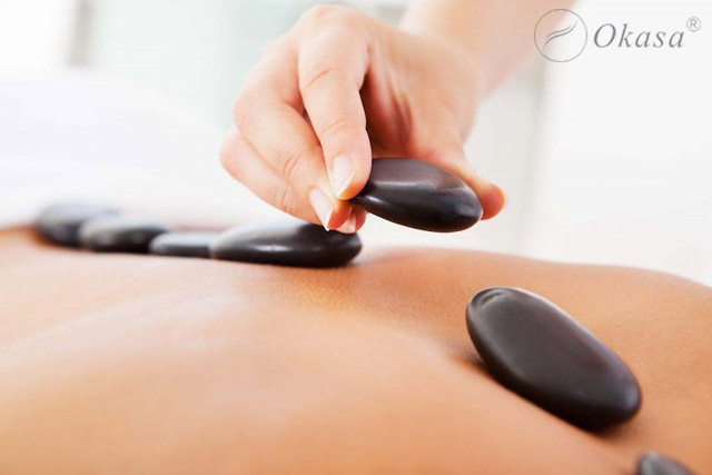 Công dụng của massage body đá nóng với sức khỏe và sắc đẹp