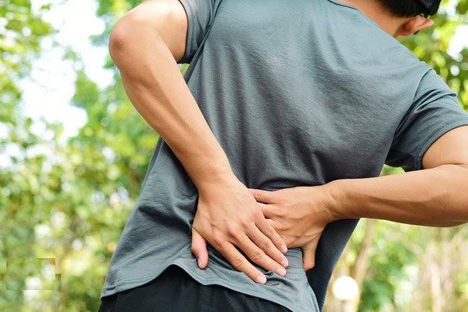 Đau lưng dưới gần mông là bệnh gì