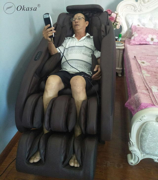 Ghế mát - xa lưng hỗ trợ điều trị đau nhức lưng