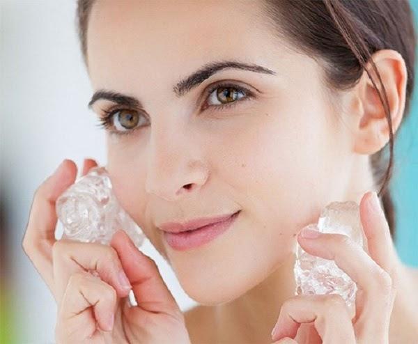 Mát xa da mặt bằng đá lạnh có những lợi ích gì?