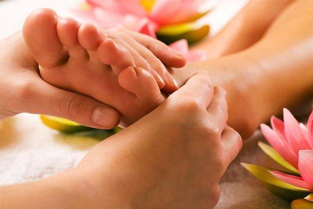 Mẹo chữa đau nhức gót chân với các nguyên liệu tự nhiên