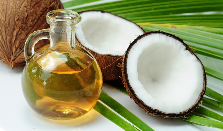 Mát xa da mặt bằng dầu dừa có những tác dụng gì?