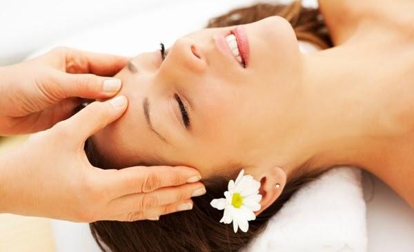 Mát xa đầu có tác dụng gì và có nên dùng ghế massage để mát xa đầu không?