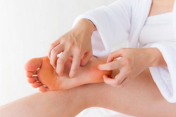 Mát xa gan bàn chân có tác dụng gì và dùng ghế massage có hiệu quả không?