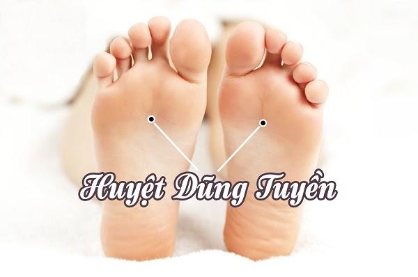 Mát xa lòng bàn chân có tác dụng gì?