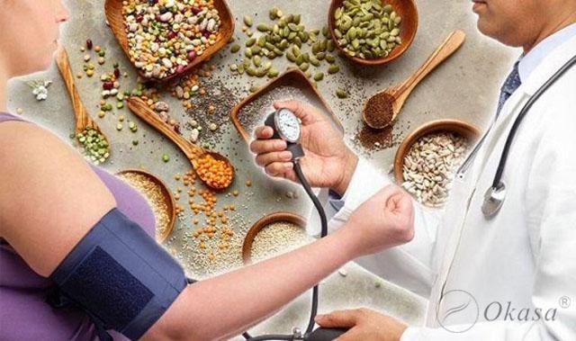 Những thực phẩm người cao huyết áp nên ăn