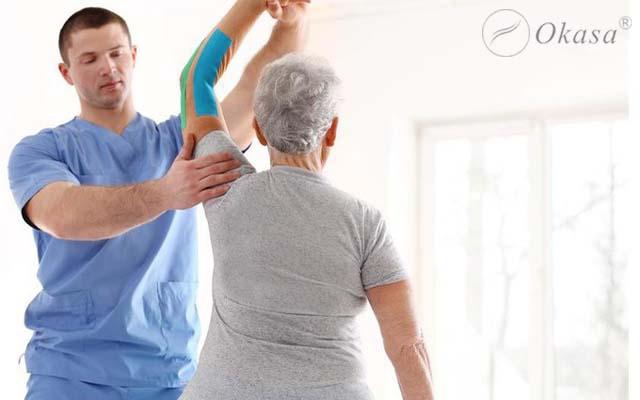 Phục hồi chức năng cho người viêm quanh khớp vai