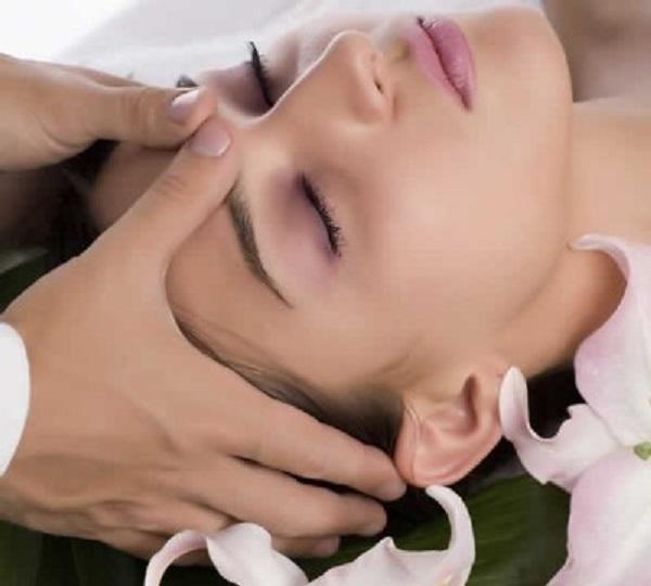 Cách bấm huyệt chữa bệnh đau đầu cực đơn giản lại hiệu quả cao