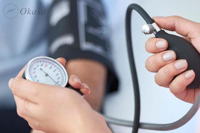 Cách xử trí khi huyết áp tăng đột ngột