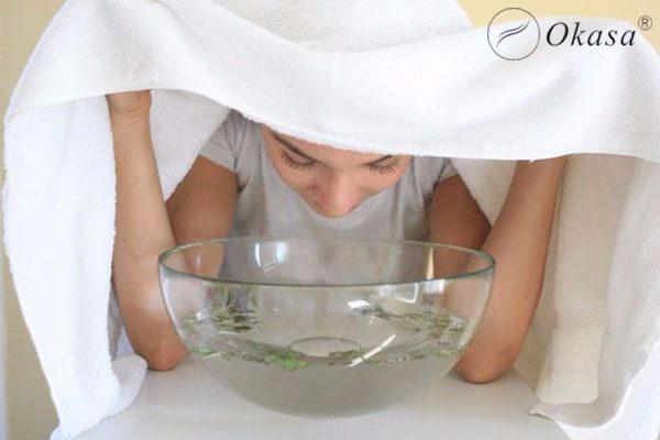 Chỉ vài phút xông hơi mặt kết hợp massage mỗi tuần sẽ cho tác dụng kỳ diệu