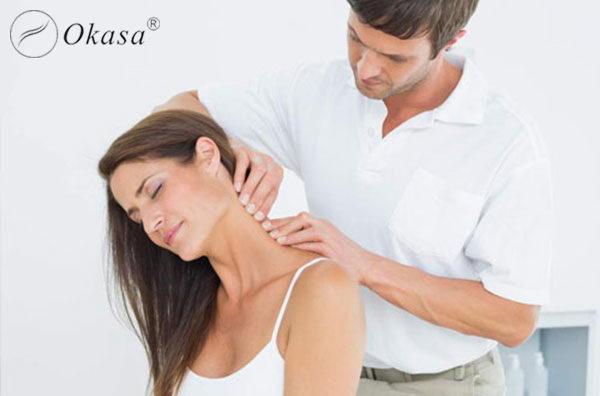 Điều trị đau mỏi vai gáy bằng liệu pháp massage