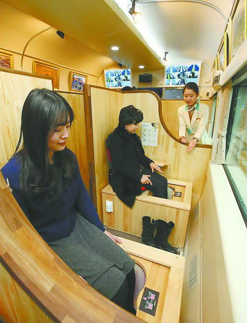 Du lịch với tàu hỏa sưởi ấm, massage cho du khách