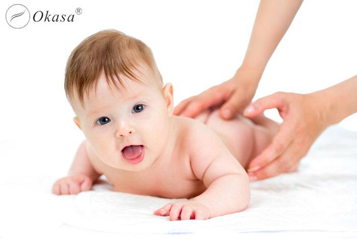 Massage cho trẻ sơ sinh có tốt không?