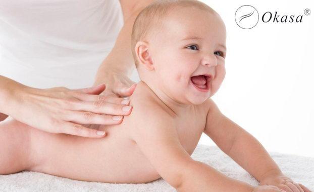 Massage khi bé bị đau và đầy bụng