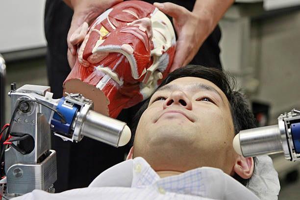 Nhật Bản: Dùng robot thay nhân viên massage