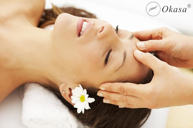 Phương pháp massage chăm sóc da mặt sau khi sinh em bé
