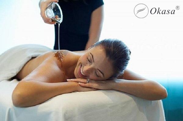 Phương pháp massage làm đẹp với dầu dừa