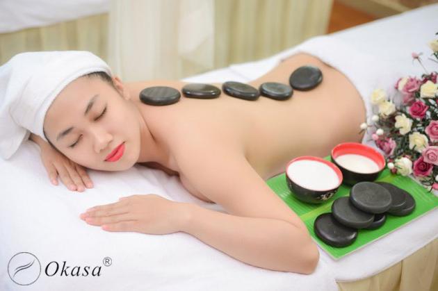 Tìm hiểu cách chăm sóc làn da mịn màng với đá nóng massage