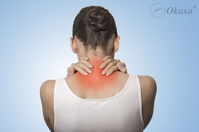 Tự bấm huyệt xoa bóp tại nhà hỗ trợ điều trị đau vai gáy