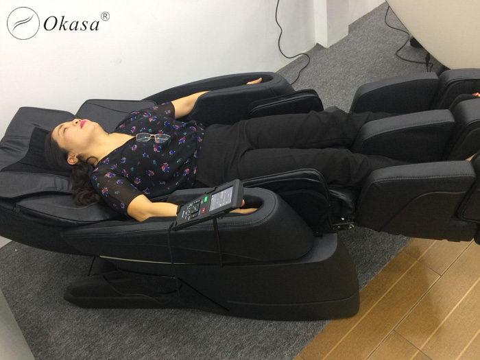 Ghế massage cho người già - Món quà tặng ông bà ý nghĩa