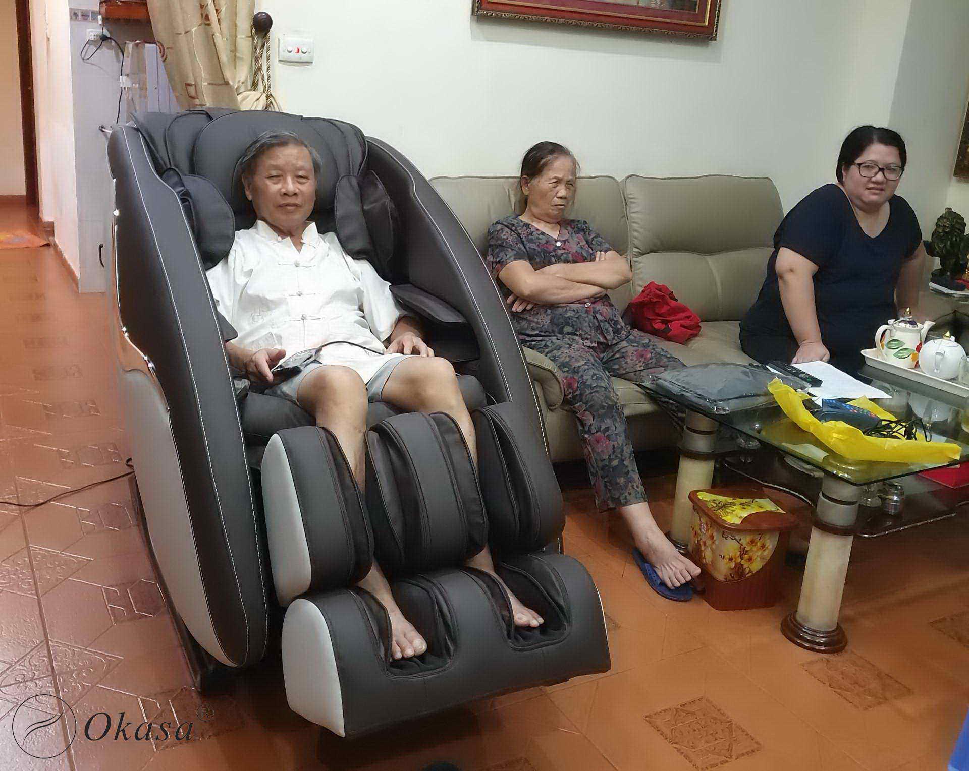 Kinh nghiệm chọn mua ghế massage cho người già