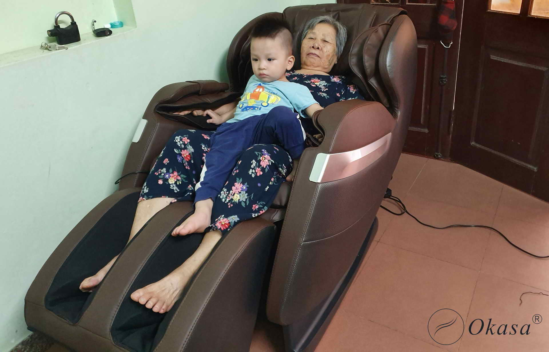 Trẻ em dưới 6 tuổi có nên sử dụng ghế massage toàn thân?